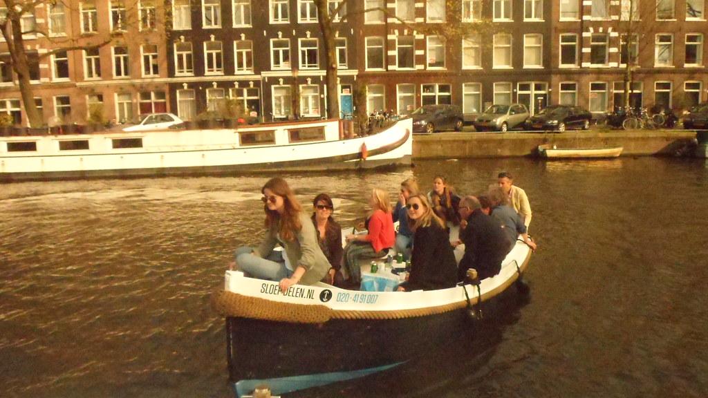 Zelf varen in Amsterdam? Wij delen onze tips!