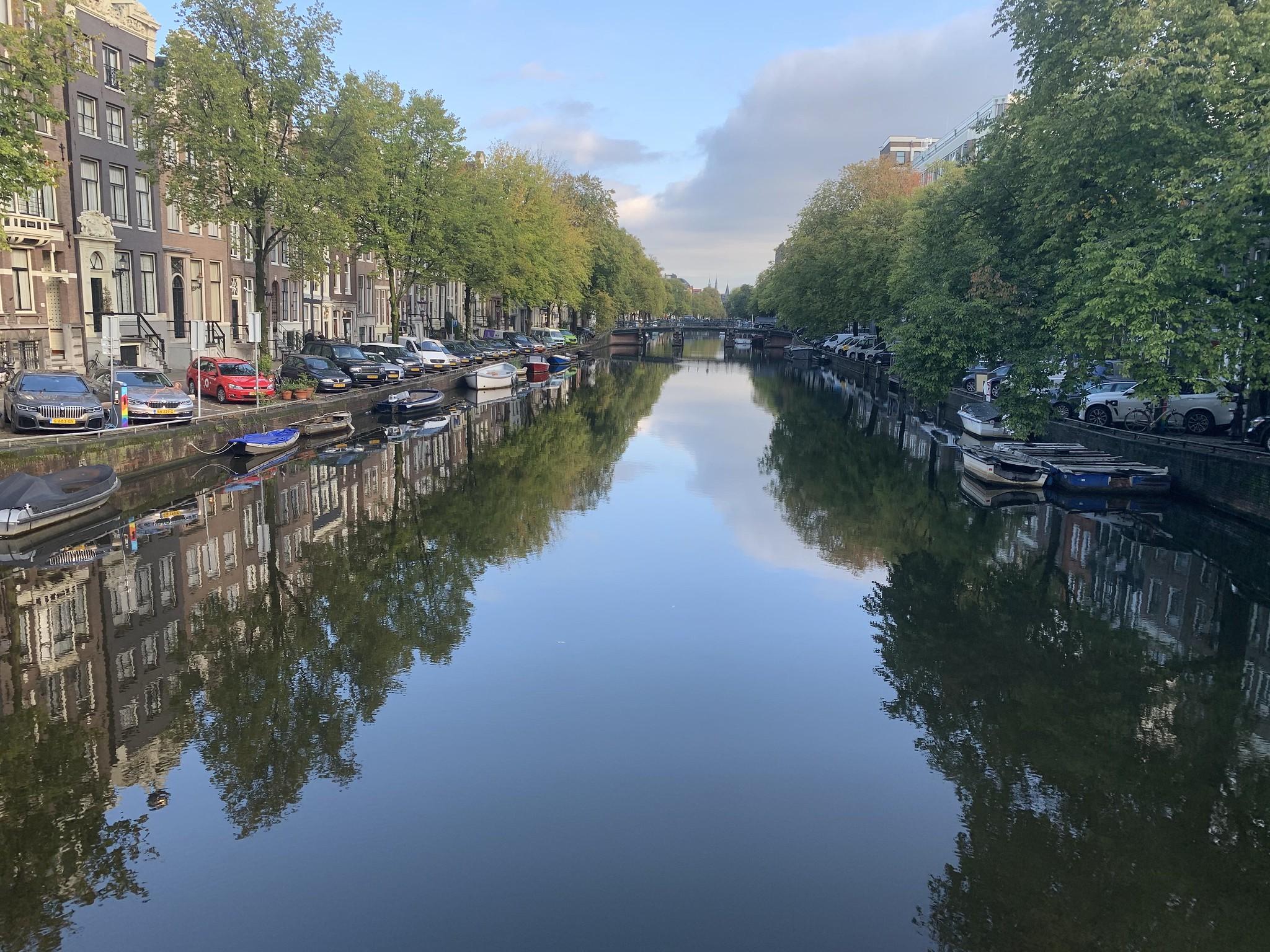 Amsterdam, grachten, bedrijfsuitje, varen, herengracht