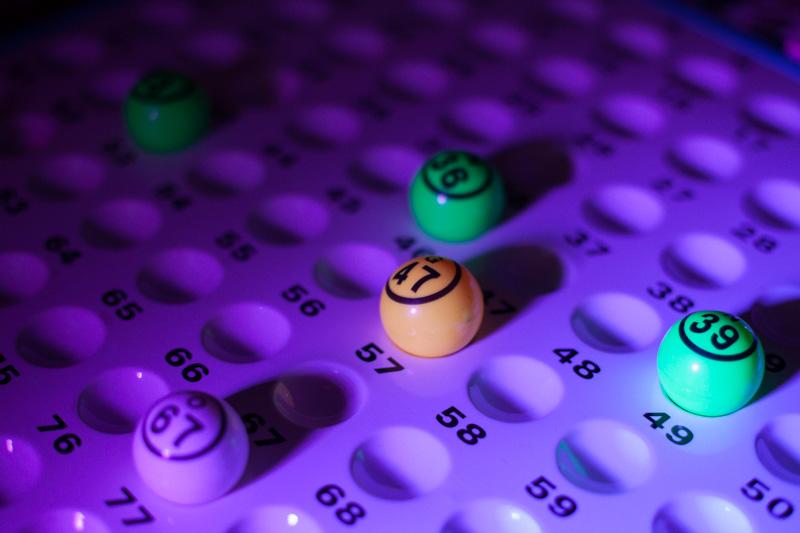 Hilarische bingo dinerspel